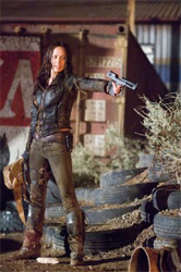 Terminator Salvation Moon Bloodgood as Blair Williams with gun