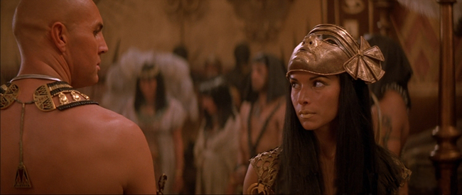 a look exchanged by the star-crossed lovers and villains of The Mummy Returns, the high prient Imhotep and Anck Su Amun, the mistress of Pharoah Seti I